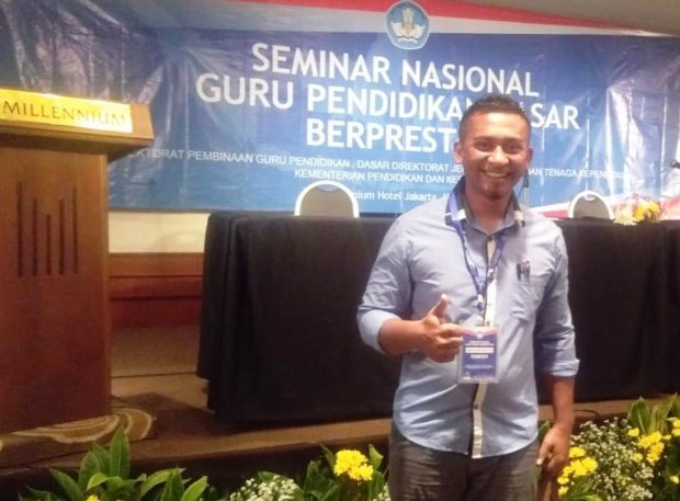 Maksi Masan Kian, Guru Kampung Berbagi Ilmu di Jakarta