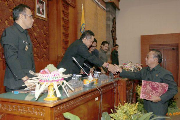 Sidang Paripurna DPRD, Walikota Denpasar Ajukan Dua Ranperda