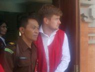 Bawa Ganja dari Bangkok, Bule Rusia Divonis 8 Bulan Penjara