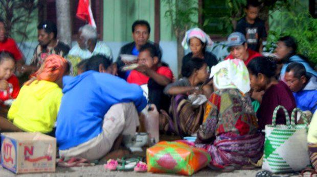 Syukuri HUT Kemerdekaan RI Ke-73, Warga Ritaebang Gelar Makan Lamak