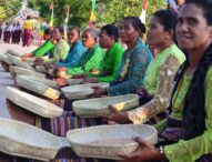 Hadiri Pembukaan Festival Seni Kampung Wulublolong, Bupati Flotim Kaget