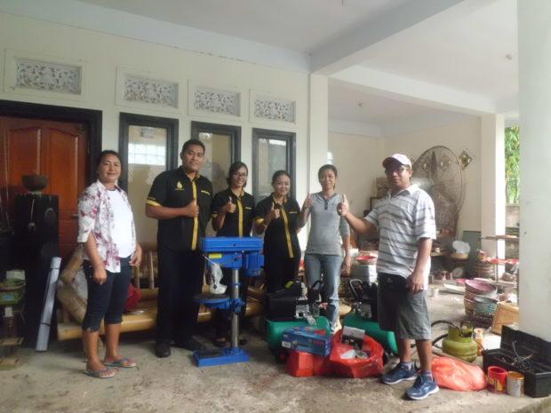 Dosen STIKOM Bali Tularkan Iptek untuk Kembangkan Kerajinan Kerang
