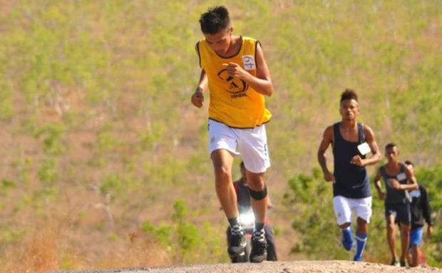 Pelari Asal Ongalereng, Juarai Lomba Lari 10 K Solor Barat