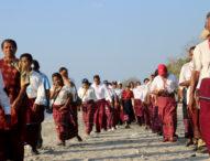 Ratusan Warga Solor Barat Jelajah Pantai Ritaebang-Riangsunge