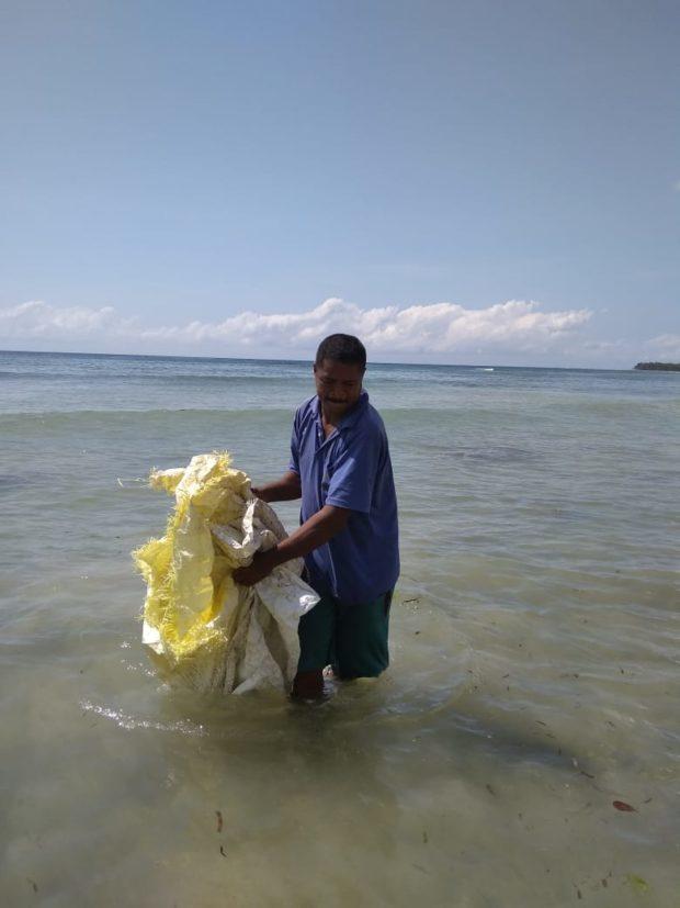 Dikira Mayat Terapung, Nelayan Sulengwaseng Temukan Karung Berisi Tiga Ekor Penyu