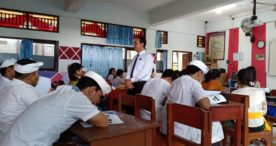 DPC Peradi Denpasar Luncurkan Program Lawyer Goes To School