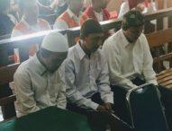 Tiga Terdakwa Penjambret Tas Bule Divonis 1 Tahun 8 Bulan Penjara