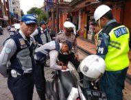 Timbulkan Kemacetan, Dishub Denpasar Tertibkan 16 Pelanggar Parkir di Ruas Jalan Gajah Mada