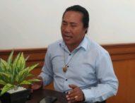Diduga Selewengkan Dana Bansos Pembangunan Pura, Ketua DPRD Klungkung Dilaporkan ke Kejaksaan