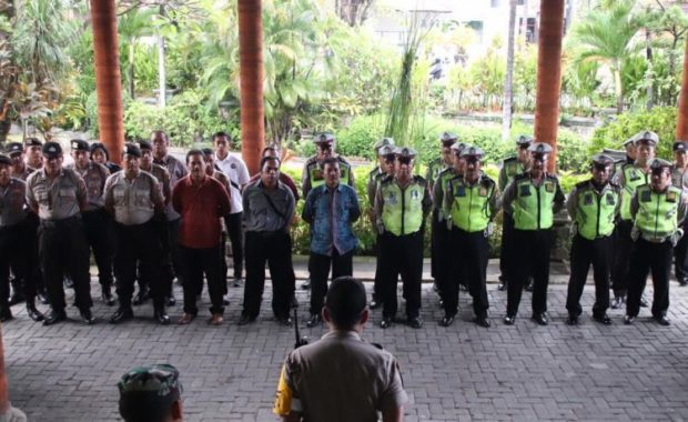 Dijaga TNI-Polri, Sidang Pleno KPU Denpasar Aman