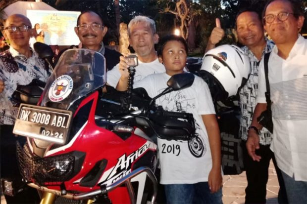 Dua Putra Denpasar Jelajahi Benua Asia Dengan Sepeda Motor
