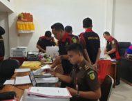 Tim Penyidik Kejari Denpasar Geledah Kantor Desa Duah Puri Klod