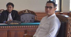 Pilot yang Ngaku Kleptomania Pencuri Jam Tangan Dituntut 5 Bulan Penjara