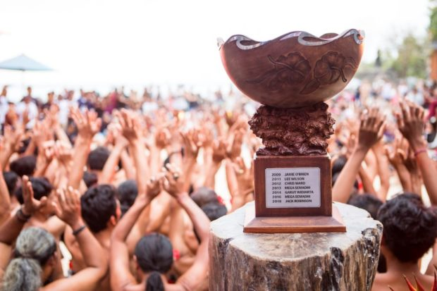 16 Surfer Papan Atas Siap Berlaga d  Rip Curl cup Padang Padang