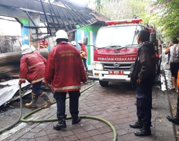 Dua Bangunan Rumah di Tanjung Benoa Ludeskan Terbakar