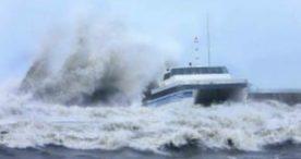 Gelombang Diprediksi Tinggi, BMKG Ingatkan Pelaku Wisata Bahari Waspada
