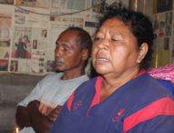 Orangtua Nelayan Lewolaga  Iringi Pencarian dengan Doa