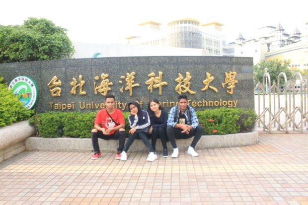 Keweng, Mantan Tukang Cukur Ini Bisa Kuliah di Taiwan