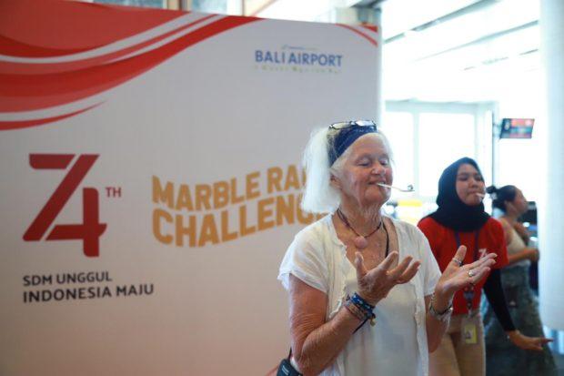 HUT RI, Ornamen Merah Putih Hiasi Area Bandara Ngurah Rai