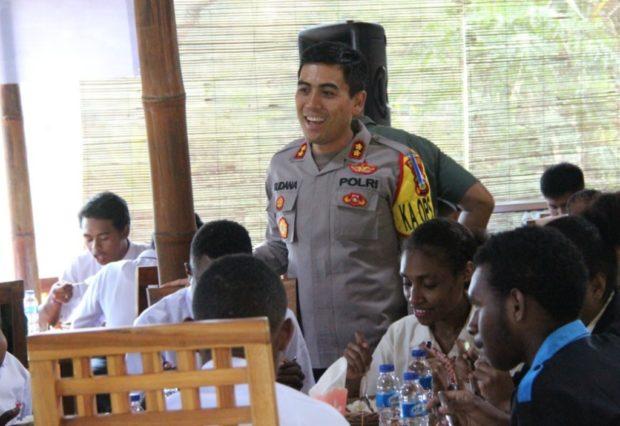 Kapolres Klungkung Beri Jaminan Keamanan bagi Warga Papua