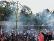 Ritus Api Nyalakan Obor Festival Lamaholot Flores Timur