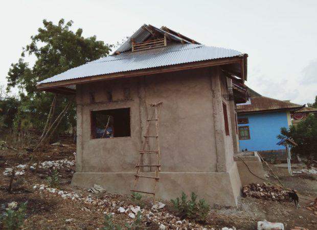 Pekerjaan Proyek Pembangunan Balai Penyuluh KB Solor Barat Mandek, Apa Sebab?
