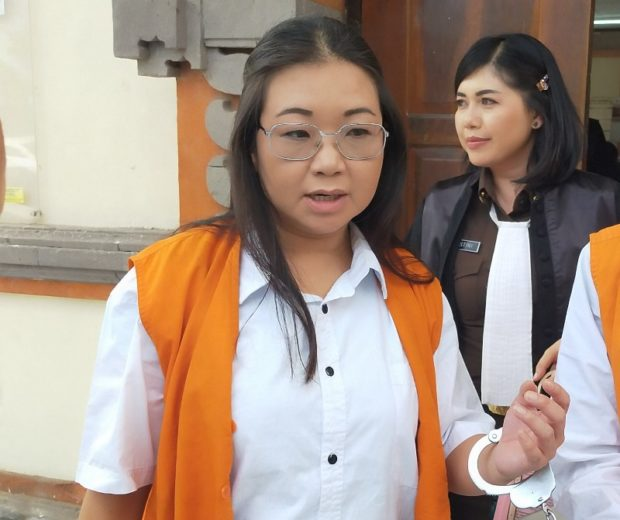 Gelapkan Uang Perusahaan, Linawati Dituntut 2 Tahun 6 Bulan