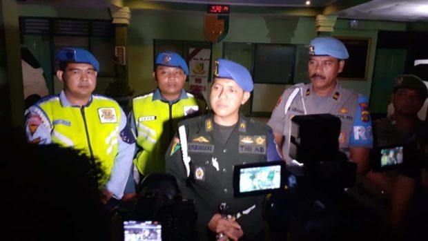 Petugas Gabungan Razia THM di Denpasar dan Badung