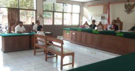 Berjualan di Atas Trotoar, PKL Ditipiring Rp 300.000