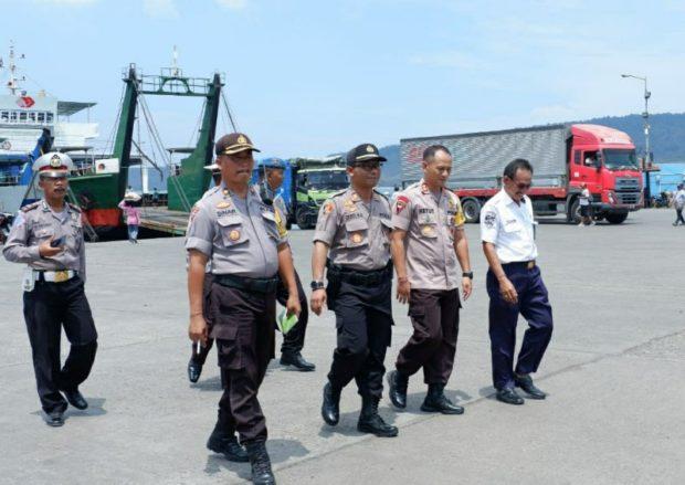 Kapolres Jembrana mengecek Kesiapan Jalur di Gilimanuk Jelang Nataru