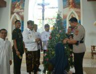 Jelang Hari Natal, Kapolres Gianyar Bersama Forkopimda Kunjungi Gereja