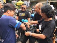 Terjun ke Pasar Kreneng, Jaksa Kejari Denpasar Bagikan 1000 Kantong Belanja