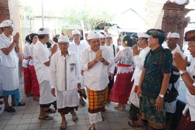 Rai Mantra Resmikan Pasar Tradisional Phula Kerti Sesetan