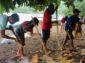 Dukung Obyek Wisata Wai Platin, Nelayan dan Orang Muda Waitiu Bersihkan Sampah