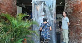 Pengunjung Wajib Sterilisasi Sebelum Masuk Pasar