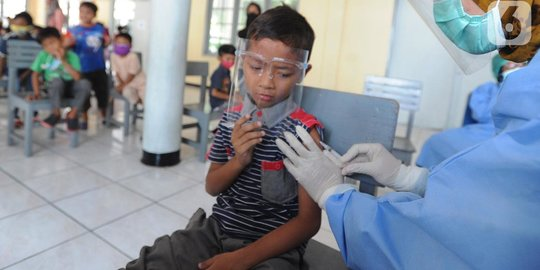 Vaksinasi Covid-19 pada Anak, Langkah Akselerasi PTM