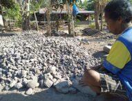 IRT Di Desa Nobo, Akui Ada Untung  Di Onggokan Batu Pecah